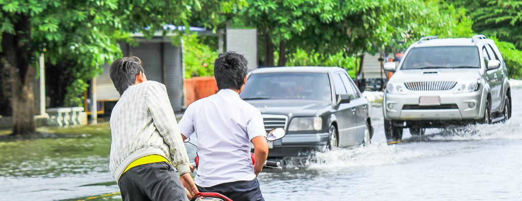 What to do in the case of a flash flood while driving