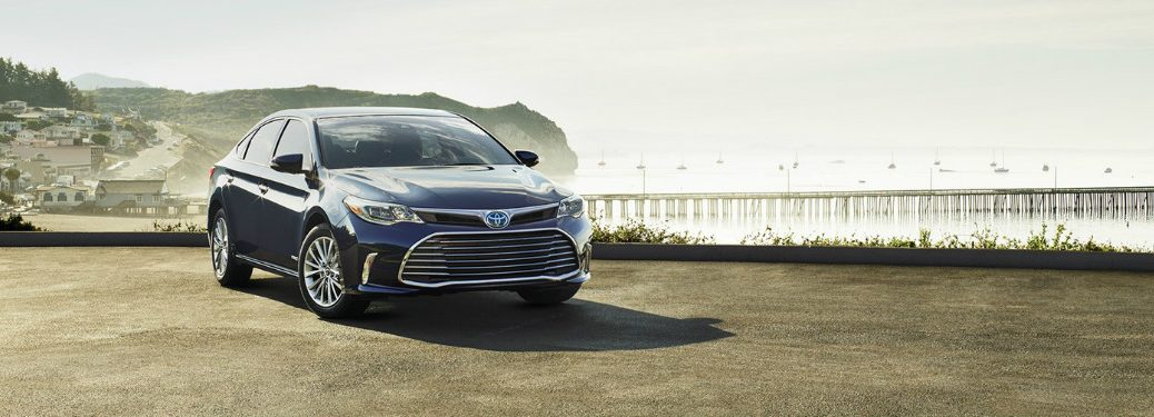 2018 Toyota Avalon front side exterior