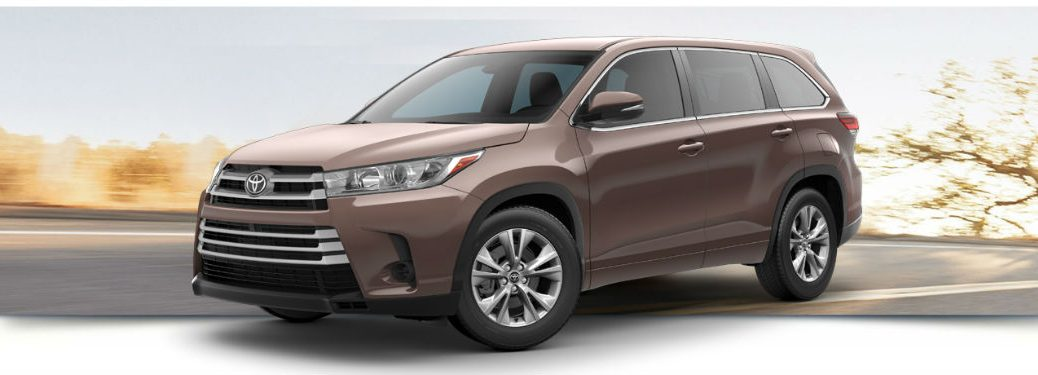 2018 Toyota Highlander LE exterior front fascia and drivers side