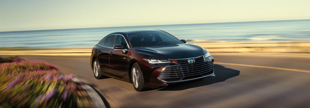What's the 2019 Toyota Avalon cargo space capacity?