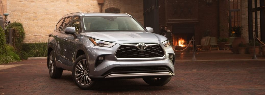 2020 Toyota Highlander by building