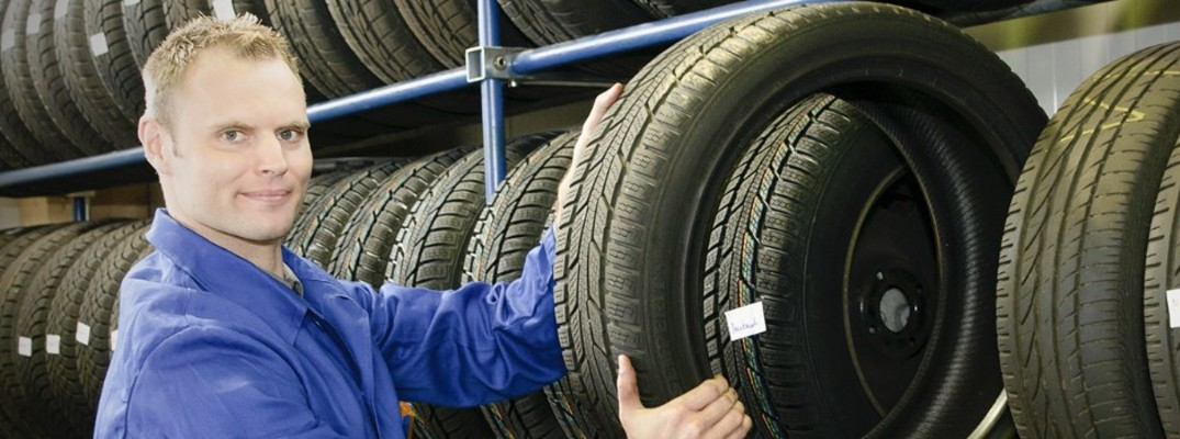 How does a Toyota Tire Pressure Monitoring System work?