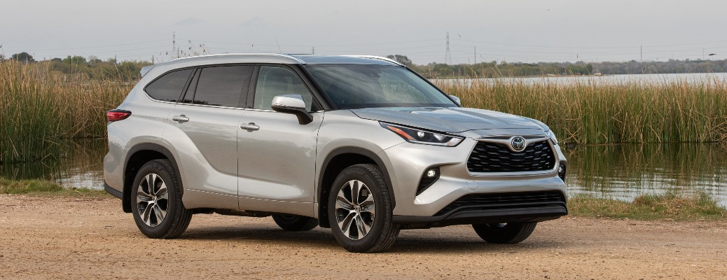 Side view of the 2021 Highlander