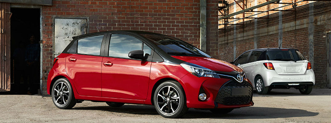 What are the color options and trim levels offered for the 2016 Yaris?