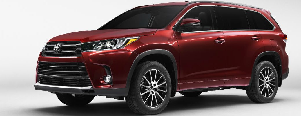2017 Toyota Highlander in Red
