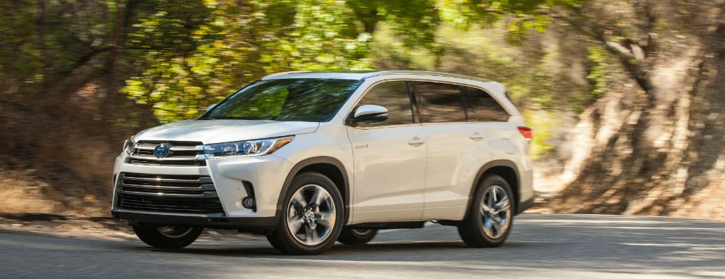 2017 Toyota Highlander in White