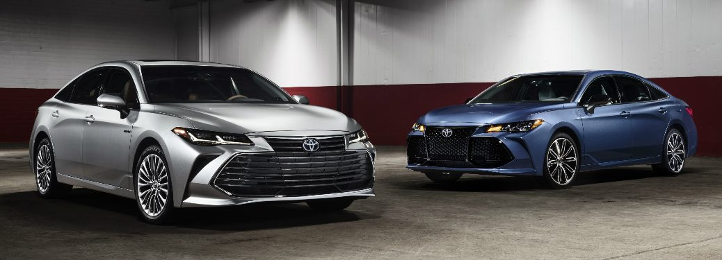 Silver 2019 Toyota Avalon and Blue 2019 Toyota Avalon