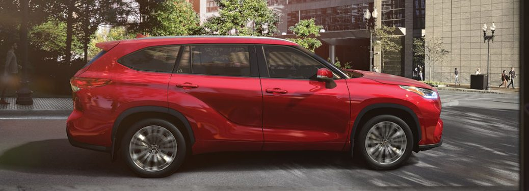 2020 Toyota Highlander side profile