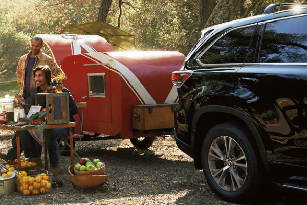 Can you tow in a Hybrid Toyota Highlander?
