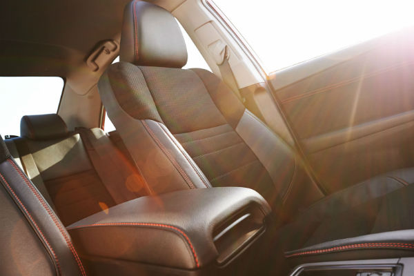 What seat trims are available in the 2017 Camry