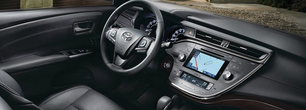 2018 Toyota Avalon steering wheel and dashboard