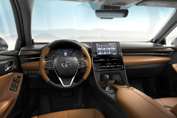 2019 Toyota Avalon Leather Trim in Cognac