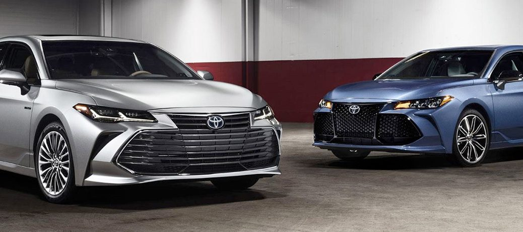 2019 Toyota Avalon Silver and Blue