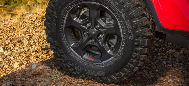 2020 Jeep Gladiator wheel and tire up close
