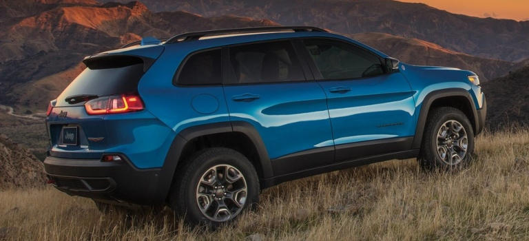 2019 Jeep Cherokee blue back view