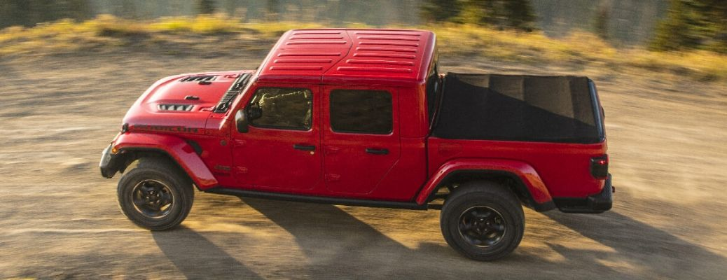 Does the 2020 Jeep Gladiator Offer Apple CarPlay or Android Auto?