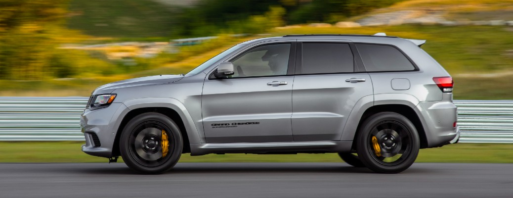 What premium features does the 2020 Jeep Grand Cherokee offer?