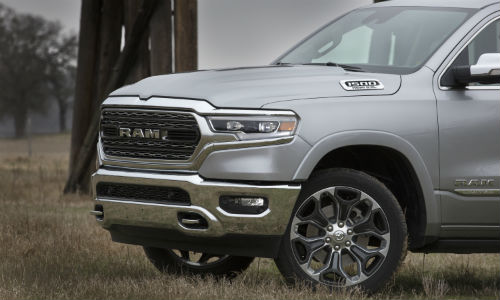 Closeup of 2021 Ram 1500 front end