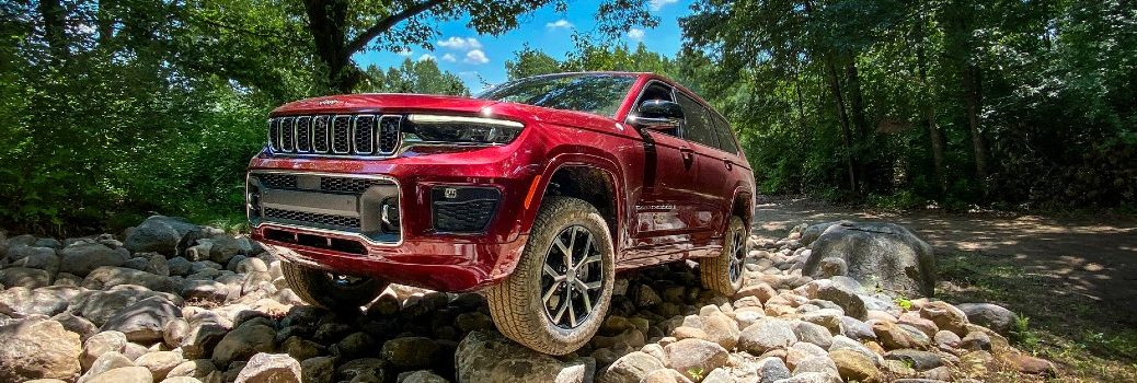 2021 Jeep Grand Cherokee L Exterior Driver Side Front Angle