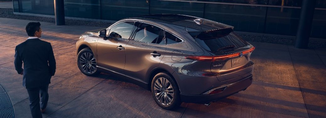 2021 Toyota Venza side and rear profile