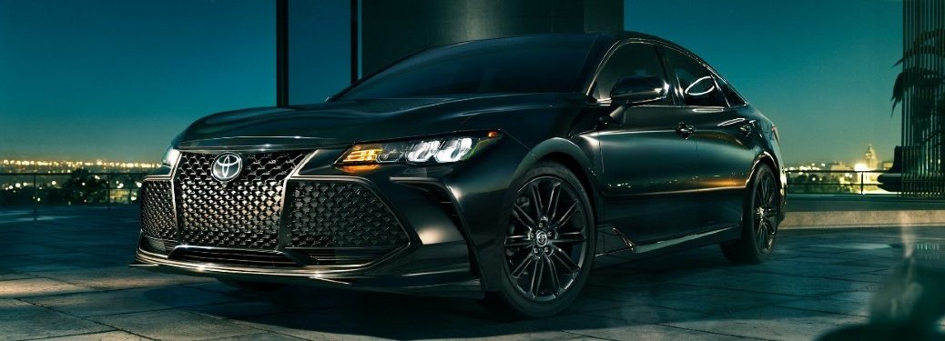 2021 Toyota Avalon front and side profile
