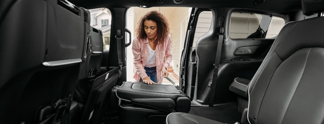 What is Chrysler Stow 'n Go® Seating and How Does it Work?