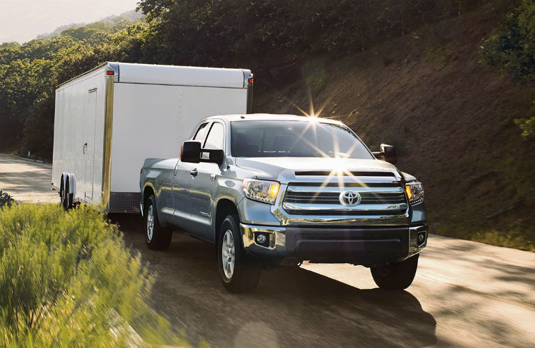What is the maximum towing capacity of the Toyota Tundra?
