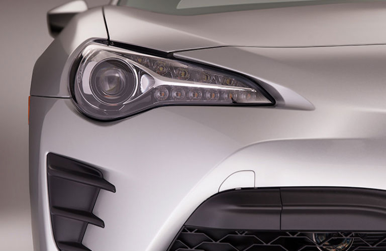 2017 Toyota 86 headlight design