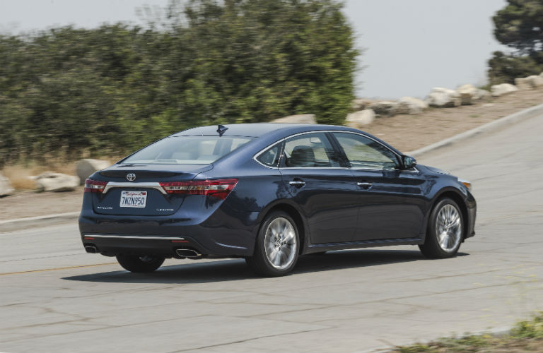 2017 Toyota Avalon sideview
