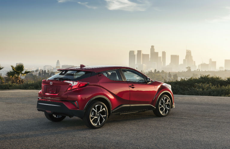 What kind of engine does the Toyota C-HR have?