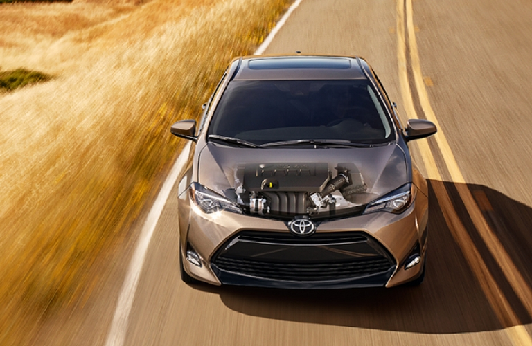 What kind of engine does the Toyota Corolla have?
