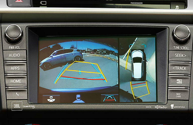 Does the 2017 RAV4 have a rear view camera?