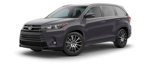 Side view of 2017 Toyota Highlander in Predawn Gray Mica