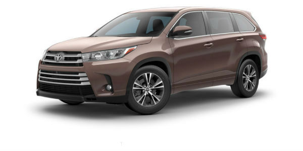 Side view of 2017 Toyota Highlander in Toasted Walnut Pearl