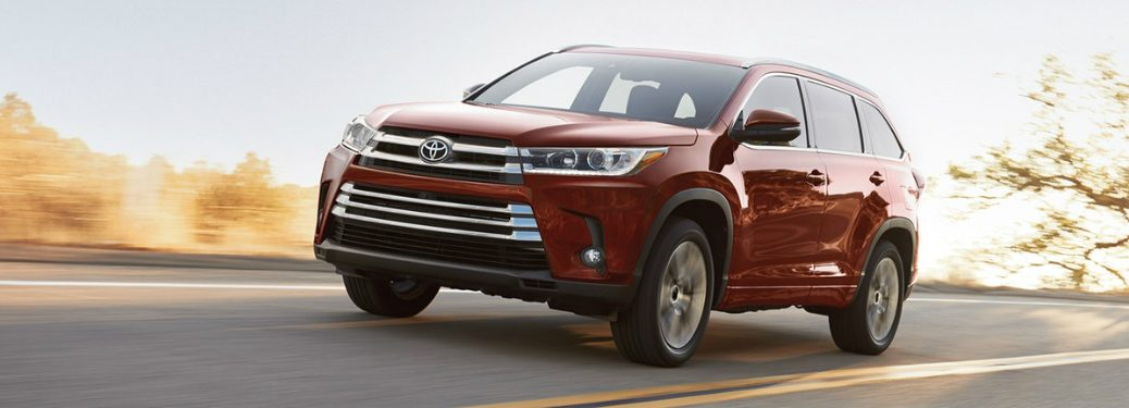 2018 Toyota Highlander exterior and front headlights in red