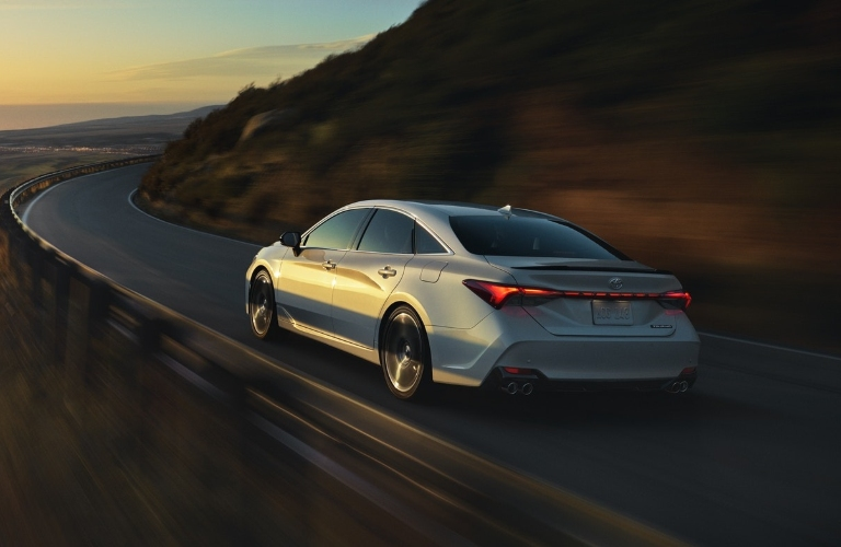 2020 Toyota Avalon driving around a curve
