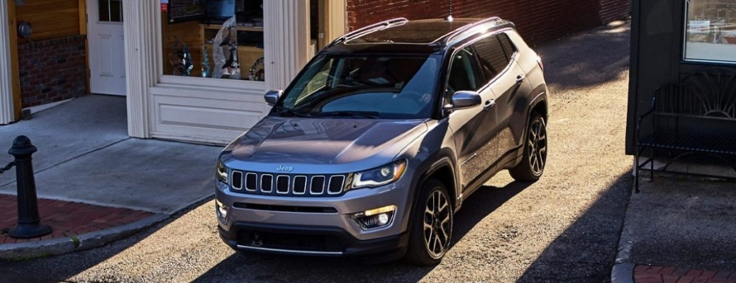2021 Jeep Compass turning onto the street