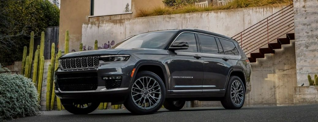 front and side view of the 2021 Jeep Grand Cherokee L