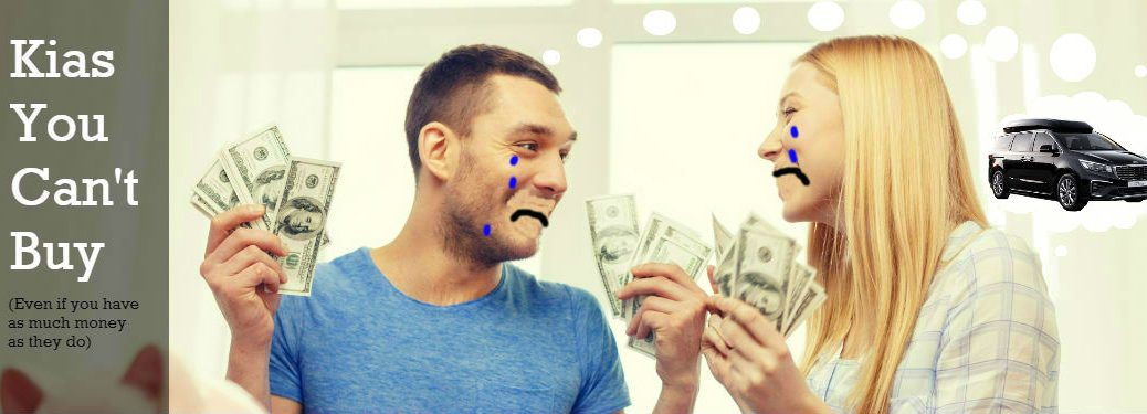 couple crying and holding money while dreaming about kia carnival hi-limousine