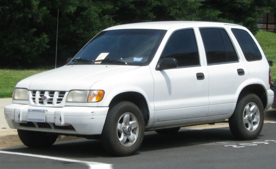 first generation kia sportage from front three-quarter angle