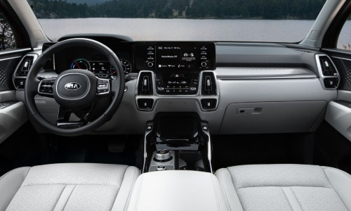 Dashboard in 2021 Kia Sorento Hybrid