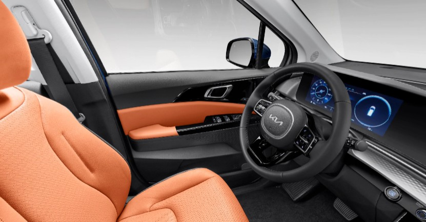 Off-Black and Tuscan Umber Two-Tone Leather in 2022 Kia Carnival