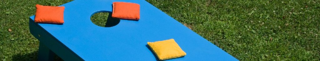Cornhole game and bags