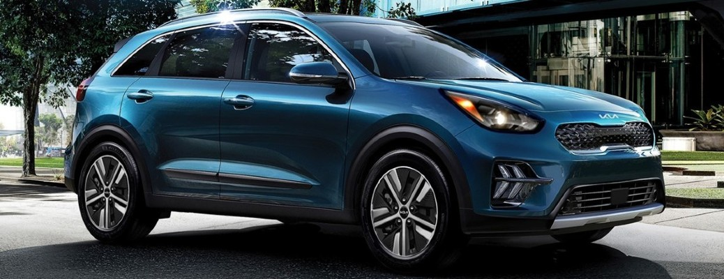 What are the Differences Between the 2022 Kia Niro and Niro Plug-In Hybrid?