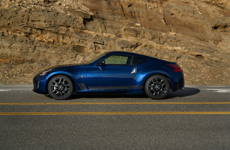 left side of blue nissan 370z