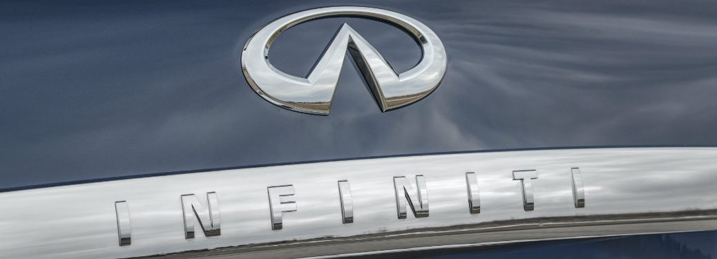 infiniti logo on car