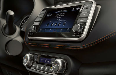 2019 Nissan Kicks interior infotainment center console