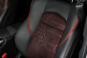 2020 Nissan 370z 50 interior red and black seating