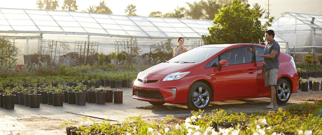 2015 toyota prius vs ford c max hybrid hatchback compact four door palo alto california efficiency fuel economy