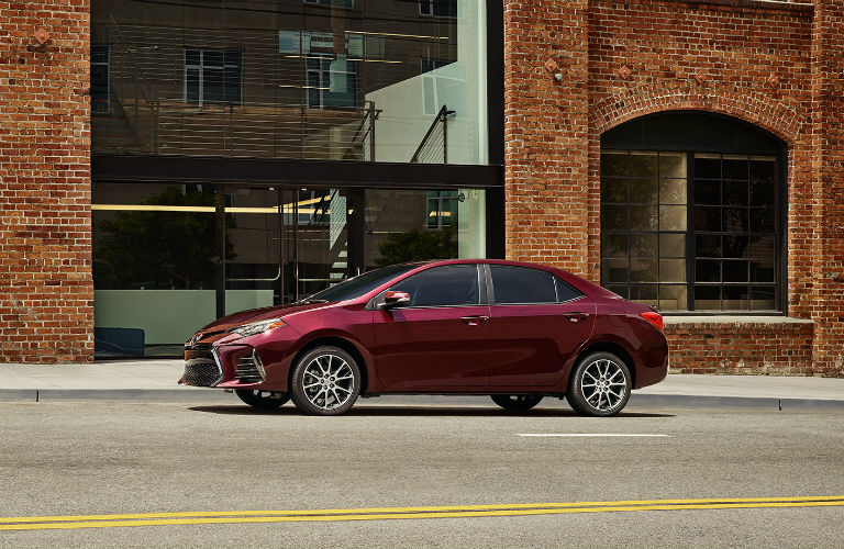 How efficient is the 2017 Toyota Corolla?